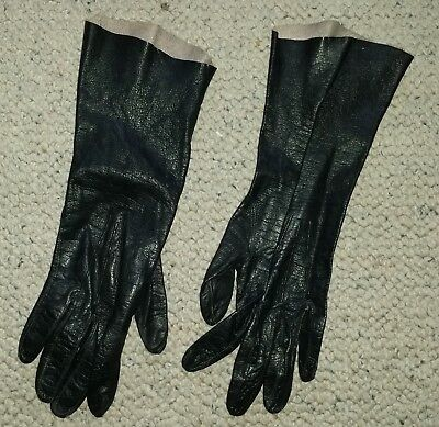 Genuine black kid leather vintage gloves dents made in England sz 7 1/2