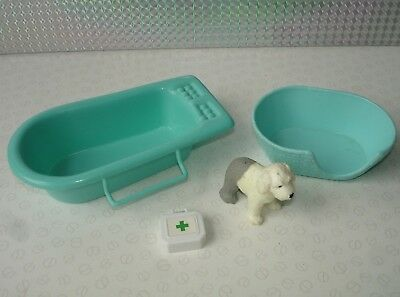 Puppy In My Pocket Bundle - Green Bath Bed Doctors Bag & Puppy Dog Figure