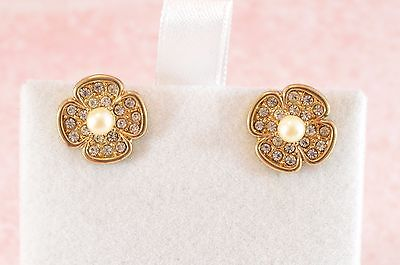Vintage Style Flower Earrings - Gold tone & Sparkly clear Crystals