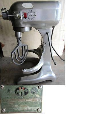 HOBART 20 quart STAND MIXER MODEL AS200DT -- clean & quiet