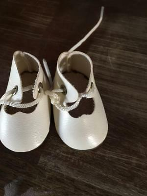 VINTAGE DOLL Cream Lace up Doll SHOES   - AS NEW -  GREAT PRICE - BUY NOW