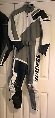 Dainese Ladies 2 Piece Motorcycle Leathers Size 44( Woman's Size 6/8)