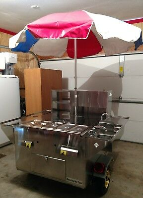 Hot dog cart - Willy Dog-Hummer beautiful, 4 sinks, meat cooler, Umbrella
