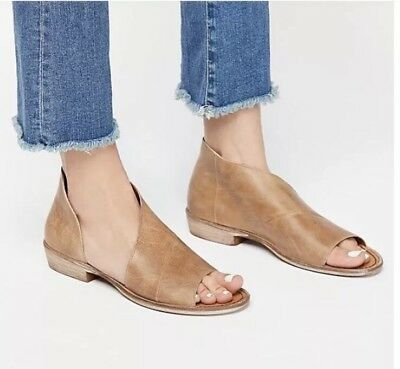 1f0afe4eecb356 Free People  Mont Blanc  Asymmetric Leather Sandal SZ 38.5 EU   8.5 US  Natural