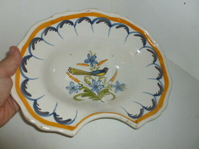 Ancien Plat A Barbe  En Faience  !