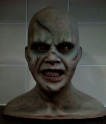 the  exorcist linda blair.unpainted.large bust 1.1 scale resin bust.with base.