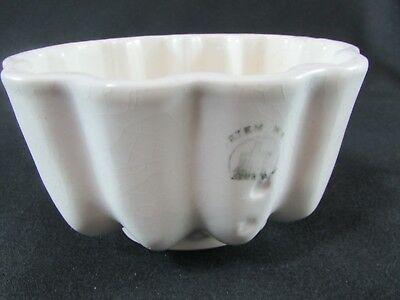Small Maling Cetem Ware White Pottery Jelly Mould c.1930s