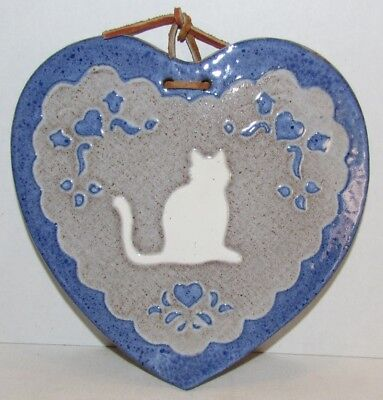1986 Ceramic Heart Shaped Cat Plaque