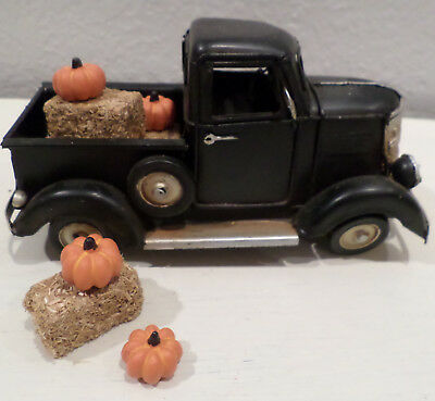 Black Metal Old Style Truck Fall Home Decor Hay Bales & Pumpkins Thanksgiving