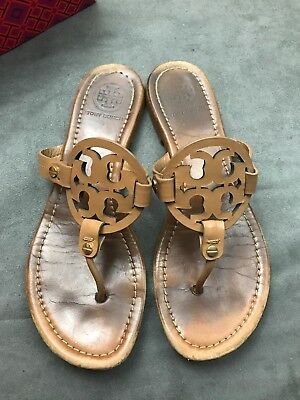 232821edd TORY BURCH Miller Royal Tan Sand Beige Saffiano Patent Leather Sandal Sz  8.5 L27