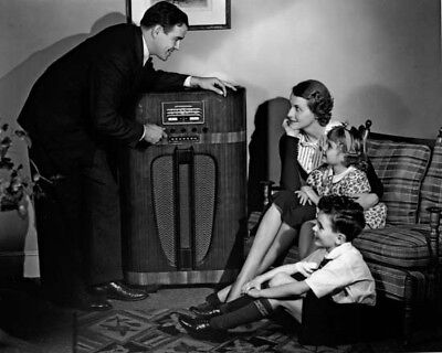 FIRST NIGHTER PROGRAM -  OLD TIME RADIO - CD - 33 mp3  Total Playtime: 15:54