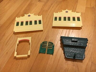 MP273 Thomas and friends trackmaster Tidmouth sheds roof center section