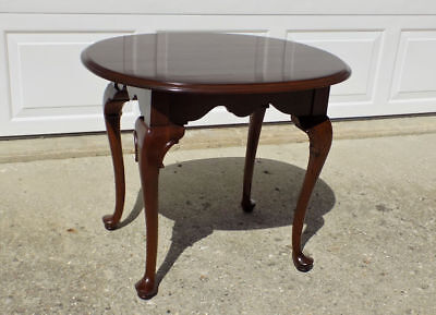 Ethan Allen Georgian Court Solid Cherry end table Queen Anne legs 8306 oval top