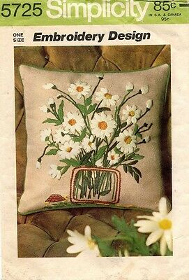 1970's VTG Simplicity Embroidery Design Daisies Transfers Pattern 5725 UNCUT