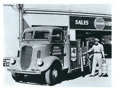 A Photograph of a Mobiloil 1938 Studebaker K20 Fuel Delivery Truck