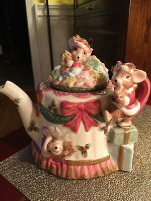 fitz floyd omnibus christmas mice santa teapot with bows and decorations - Christmas Mice Decorations