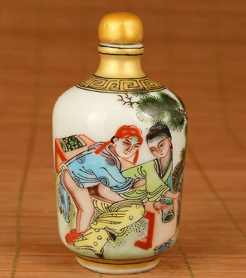 China Jingdezhen Old Porcelain Hand Painting Desk sex Love Statue Snuff Bottle