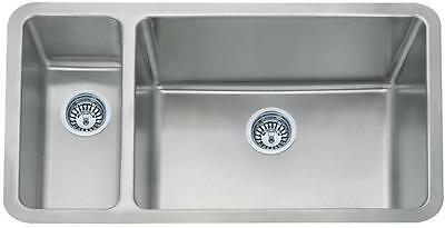 1.5 Bowl Brushed Stainless Steel Undermount Kitchen Sink (D02R)