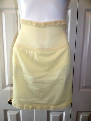 Womens Rare VTG Yellow short half slip with attached Panties and garter straps
