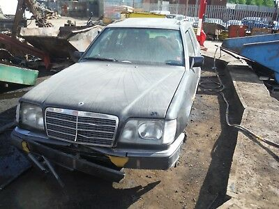MERCEDES E-CLASS 1994 E220 breaking all parts for spares or repairs, WHEEL NUT