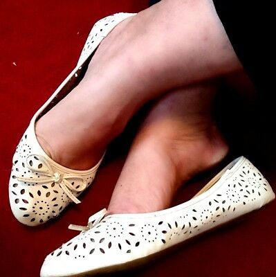 Worn ladies shoes size 7 white ballet dolly flats well comfortable