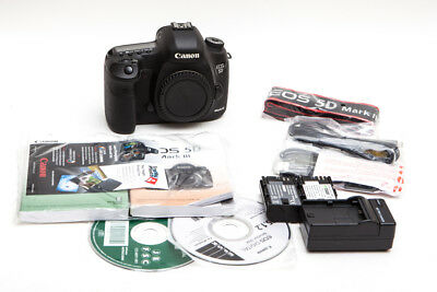Canon EOS 5D Mark III 22.3 MP Digital SLR - Excellent (USA Model)