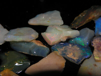Nice Natural Small Rough Mixed Thin Opal Specimens Some Nice Fires 59,25 Cts