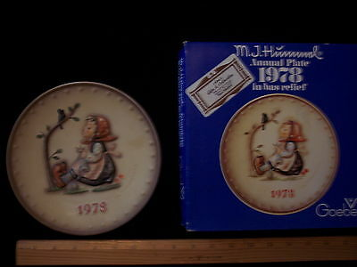Vintage 1978 Hummel Goebel Germany Annual Plate Happy Pastime HP Bas Relief BOX