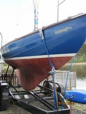 Folksong 25 classic sailing yacht