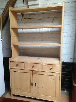 Fine early Victorian three drawer country pine dresser