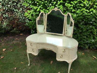 Vintage Louis Style Triple Mirror Dressing Table  In Excellent Condition