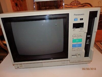 Vintage Panasonic AG-500R Portable VHS Color Video Monitor Player with Case