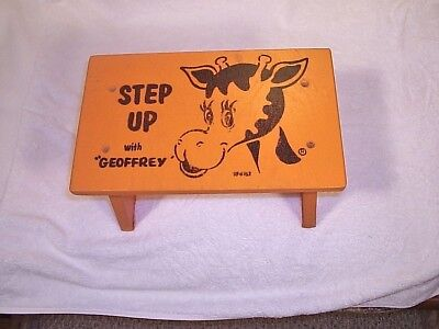 TOYS'R'US TOYS R US GEOFFREY STEP UP STOOL WOOD VINTAGE Excellent condition