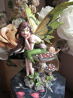 Amy Brown Thinking of You Elfe Faery Fairy Figurine on a Mushroom NEW IN BOX!