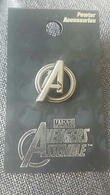 """AVENGERS """"LOGO PEWTER PIN"""" Marvel Comics NEW IN PACKAGE"""