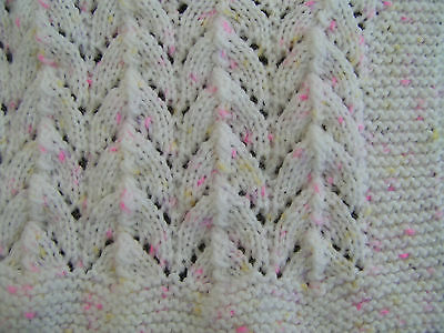 Easy to knit Horseshoe baby blanket pattern in DK
