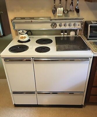 Vintage 1957 General Electric Range Excellent Working Condition with Manual