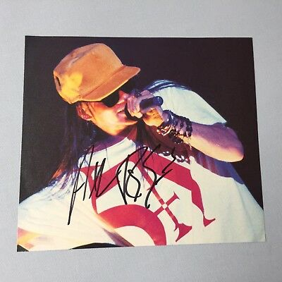 AXEL ROSE Guns N'Roses' In-person signed Magazinbild 18 x 20 Autogramm selten!!!