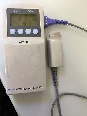 Nellcor NBP 40 Tragbares Pulsoxymeter NP 499€