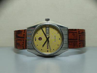 VINTAGE RADO Voyager AUTOMATIC DAY DATE SWISS WRIST WATCH OLD r957 Used