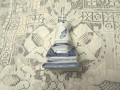 "Delft Pie Vent Hand Painted 2"" x 1-1/2"" Base 3"" in Height Excellent Cond"