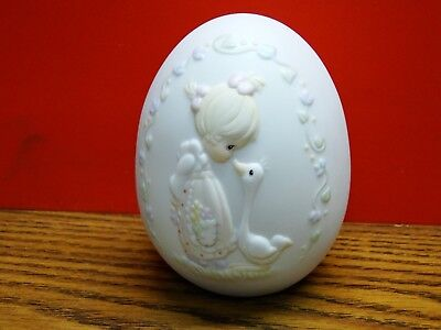 Enesco Precious Moments 1993 Porcelain Egg Make a Joyful Noise  w/ box