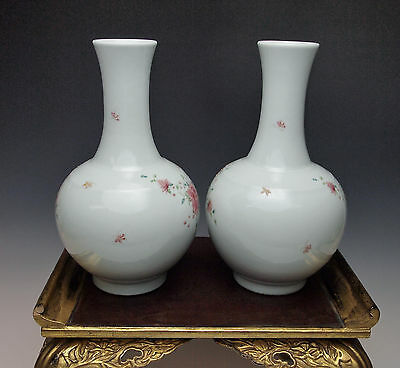 EXQUISITE ANTIQUE CHINESE PORCELAIN VASE PAIR Famille Rose China Qing Republic