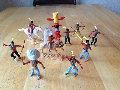 X10 VINTAGE 1970s TIMPO TOY WILD WEST RED INDIAN PLASTIC FIGURES SOLDIER TOTEM
