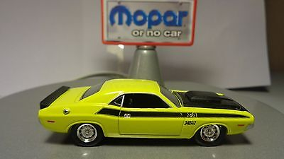 1970 Dodge Challenger T/A in Banana Yellow Adult Collector Diecast 1:64 8+