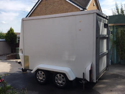 **** Tow A Van Twin Axle/braked/box Trailer  ****