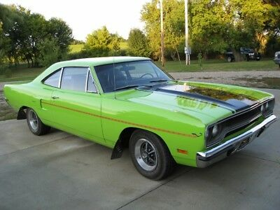 1970 Plymouth Road Runner  1970 Plymouth Hemi Roadrunner