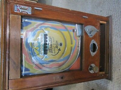 Antique slot machine    No shipping