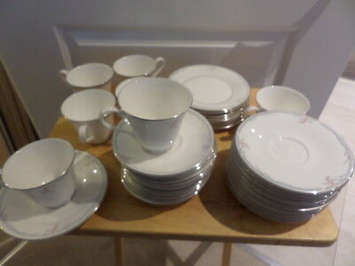 ROYAL DOULTON CHINA - CARNATION - DINNER WARE please CHOOSE FROM DROP DOWN MENU