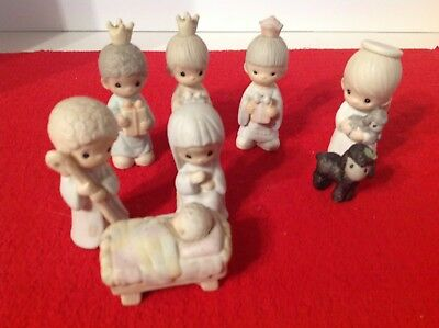 Precious Moments Lot of 8 Nativity Pieces Vintage Excelent Condition
